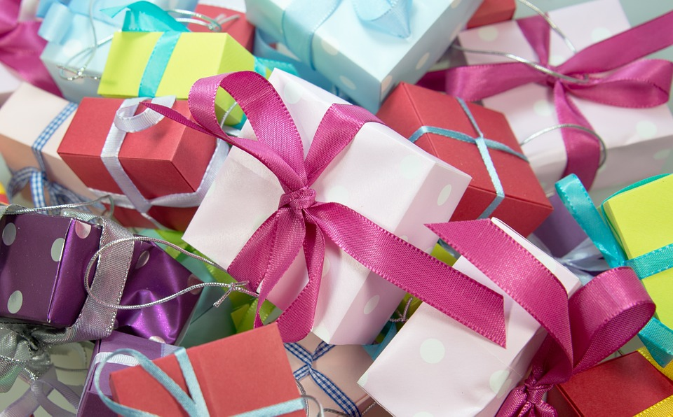 gift-444520_960_720