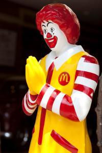 Ronald_McDonald_in_Thailand