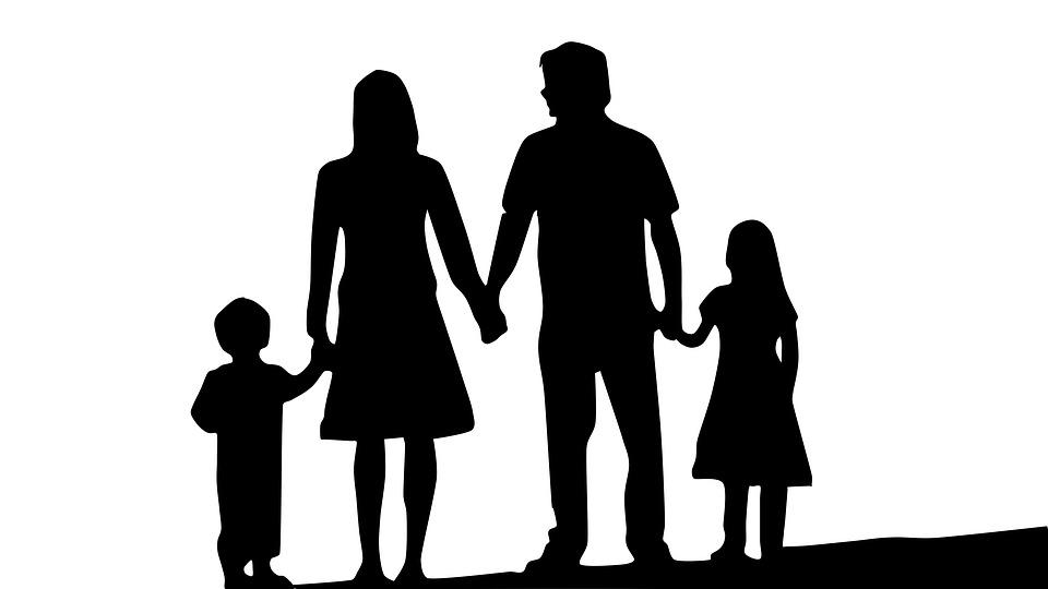 family-1671088_960_720